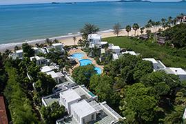 Villa complex next to the beach