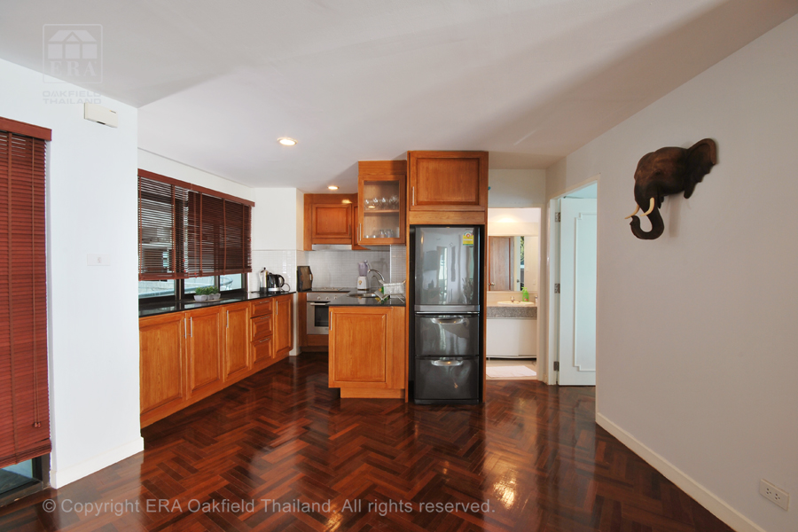 Hyra lägenhet Ban Phe Thailand Kök