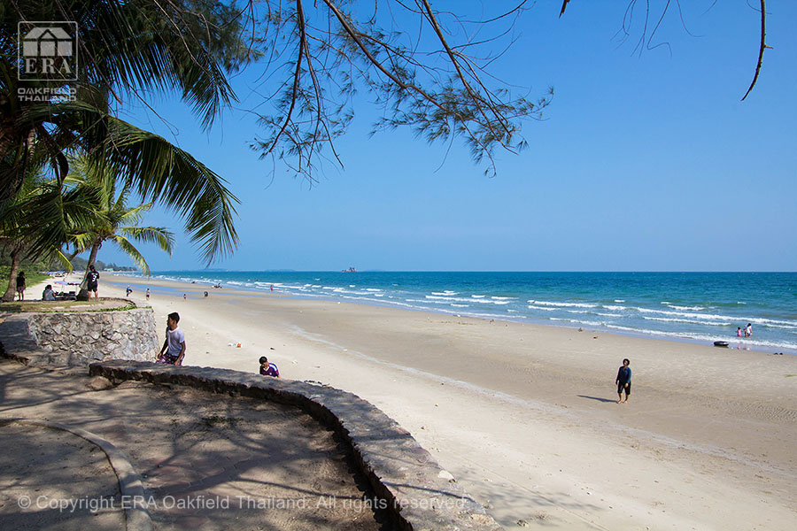 Mae Phim stranden utanför Seaview